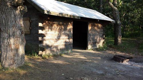 log shelter backpacking wisconsin