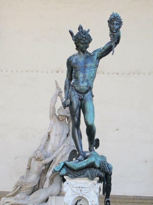 loggia dei lanzit,herojai,medūzos galva,statula
