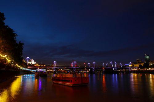 london thames river