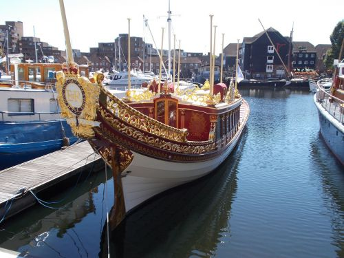 london docks gloriana