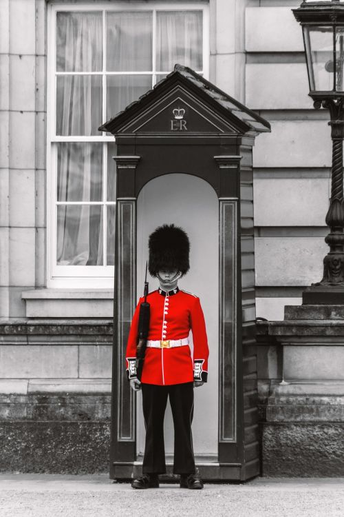 london grenadier guards places of interest