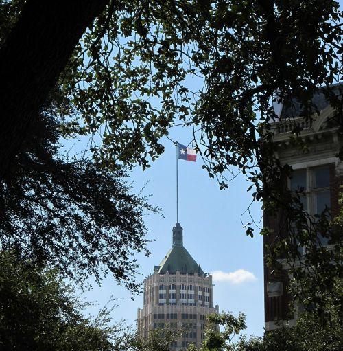 lone star flag emily morgan hotel