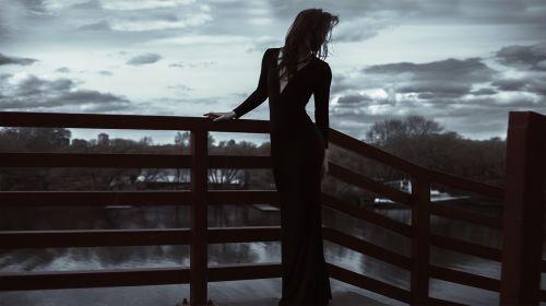 ilga suknelė,lieknas,mergaitė,modelis,ryškus siluetas,plonas kūnas,siluetas,vyras,svelnumas,moterų figūra,merginos siluetas,mergaitės figūra,erotinis,sėdmenis,seksualus,elegancija,vaivorykštės siluetas,žmonės,moteriškasis siluetas,gražus,moterys egzistuoja,figūra