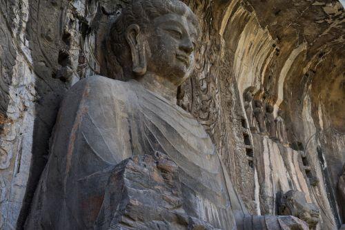 longmen grottoes luoyang stone buddha