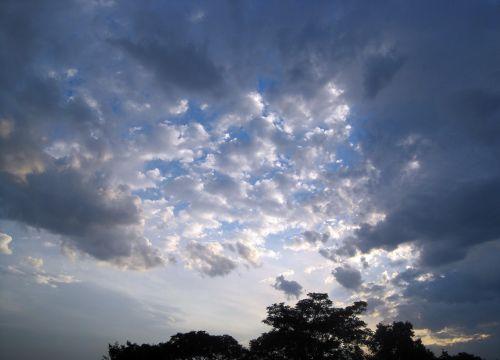 Loose Clouds