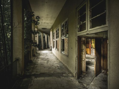 lost place horror abandoned building