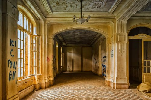 lost places hotel luxury