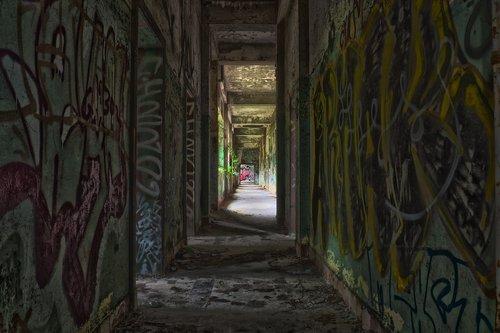 lost places  barracks  pforphoto