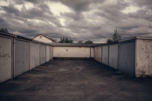 lot garage parking