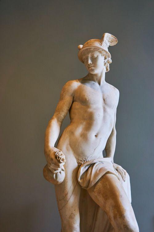 louvre paris statue