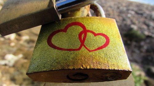 love padlock romance