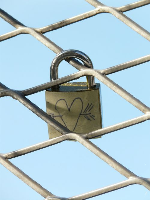 love castle heart arrow