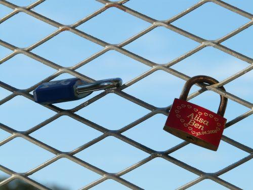 love castle padlock engraving