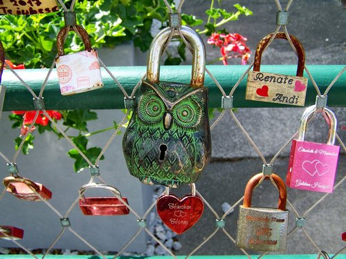love lock  symbol  loyalty