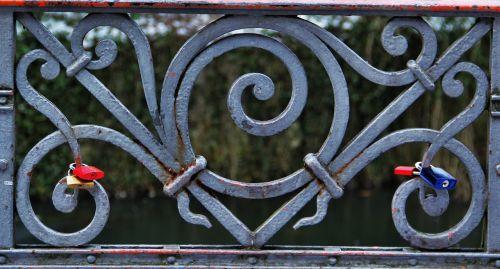 love locks railing symbol