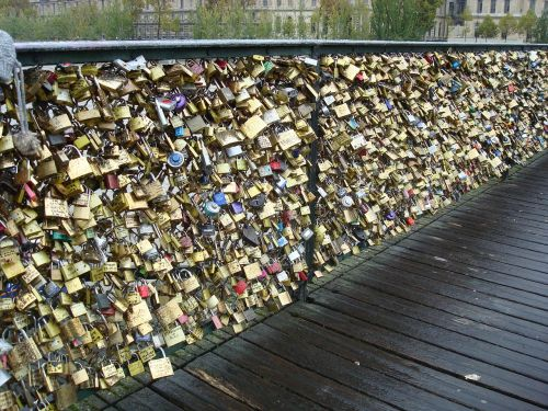 love locks castle bridge
