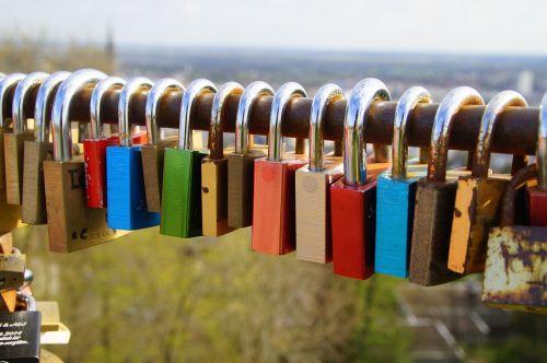 love locks love romance