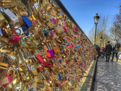 love locks locks bridge