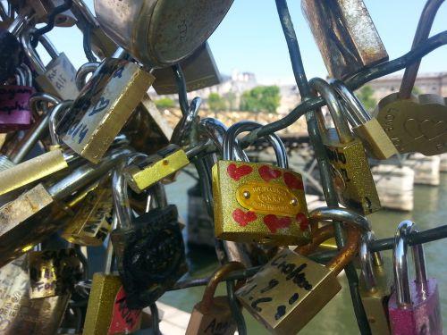 love locks castle love
