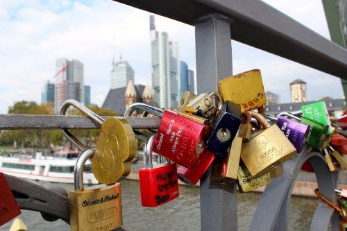 love oath iron bridge frankfurt
