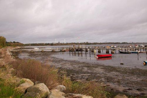 low tide  ebbe  shore