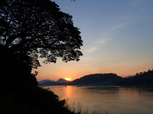 luang prabang the mekong sunset