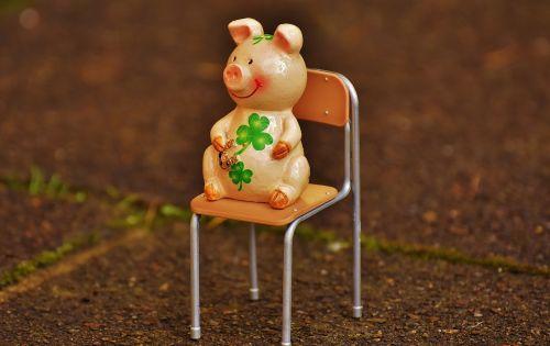 lucky pig figure luck