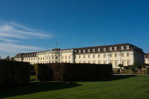 Liudvigsburgo Vokietija,pilis,parkas,architektūra,Vokietija,namo fasadas,lankytinos vietos,namai