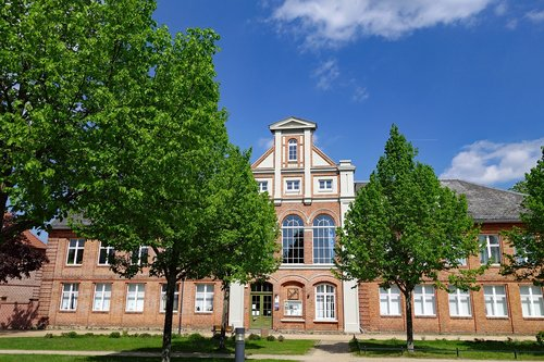 ludwigslust-parchim  mecklenburg western pomerania  former rector of the school