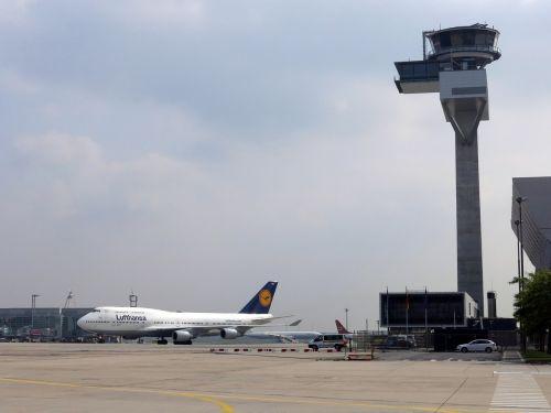 lufthansa tower air traffic control