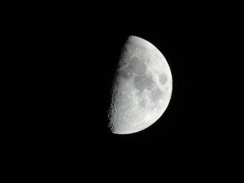 luna night sky