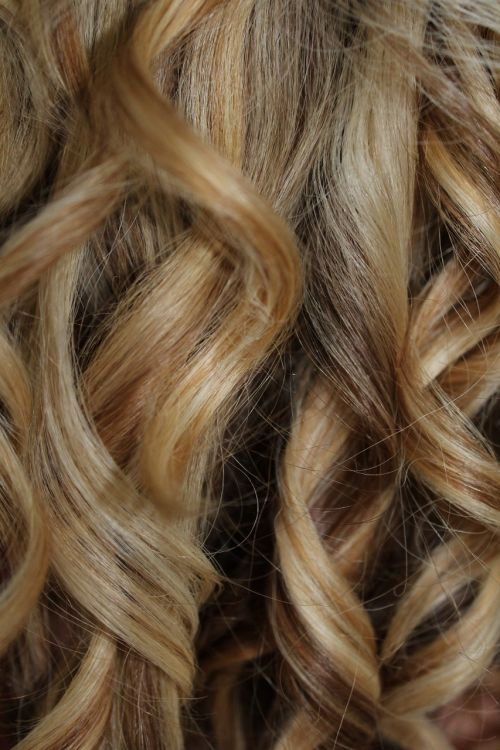 lure hair blond