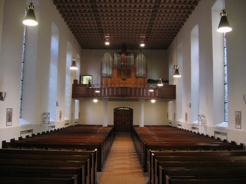 luther church nave pew