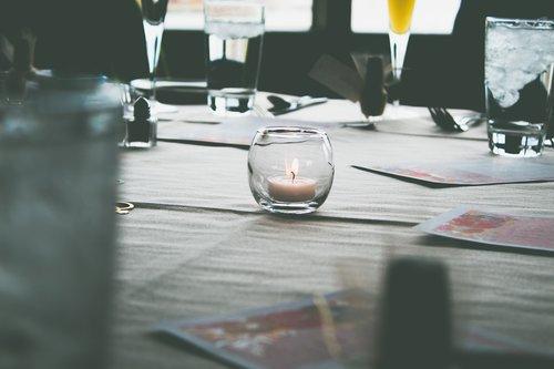 luxury  table  reflection
