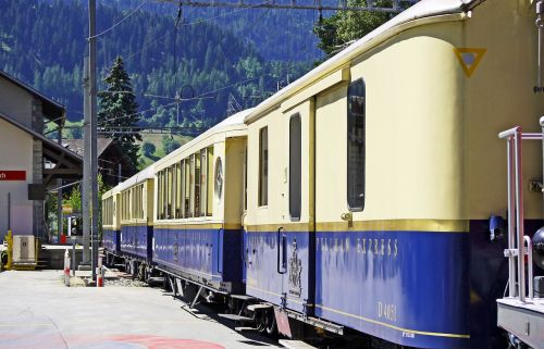 luxury train alpine classic pullman express rhaetian railways