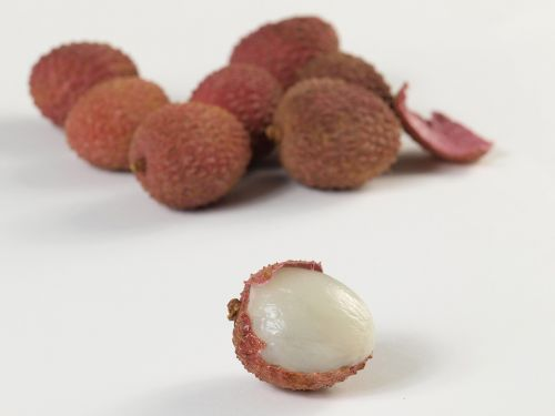 lychees fruits red