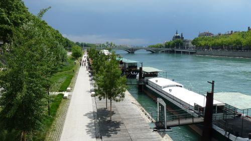 lyon peniche wharf
