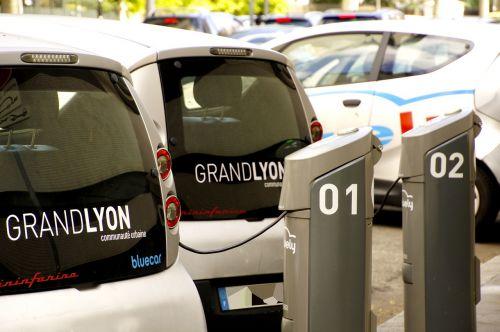lyon electric cars station