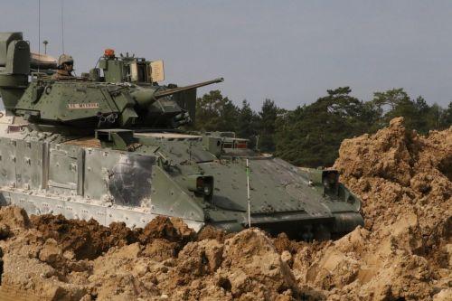 m2a3 bradley fighting vehicle ifv