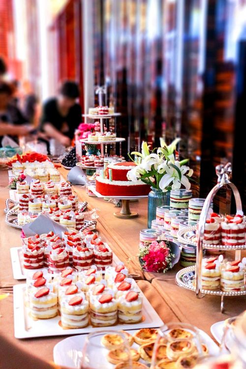 macaron cake dessert station