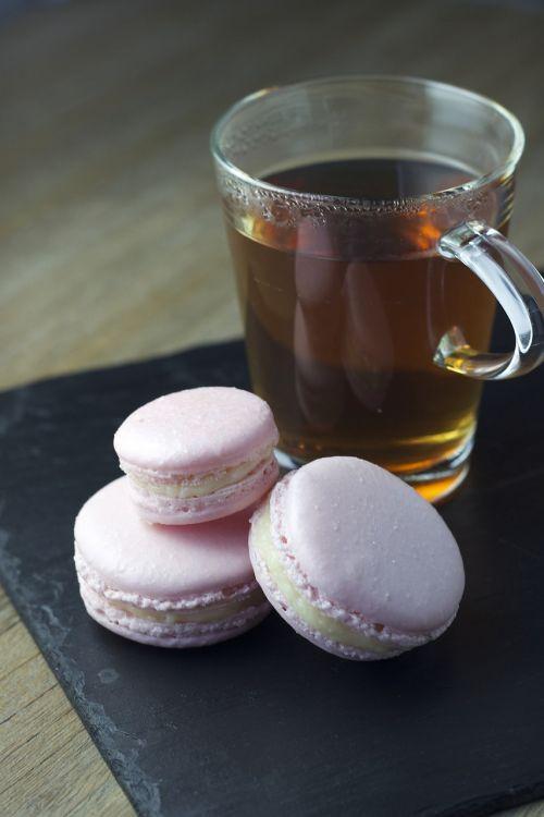 macarons tea dessert