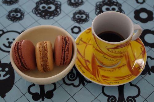 macaroon coffee breakfast