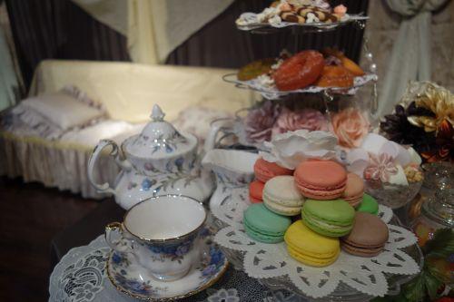 macaroons tea tea set