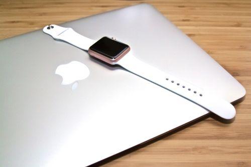 macbook laptop apple