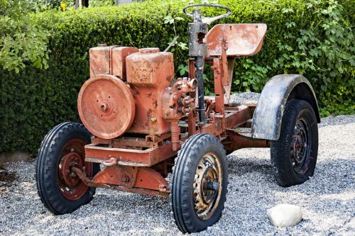 machine tractors ancient