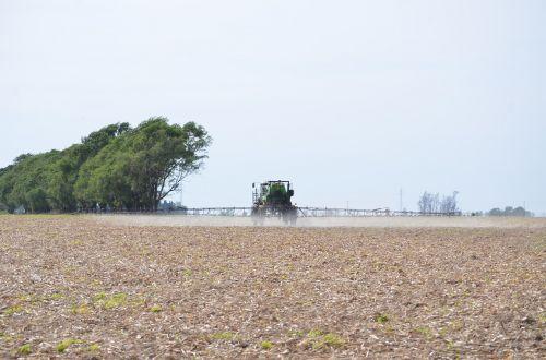 machine applying in the field