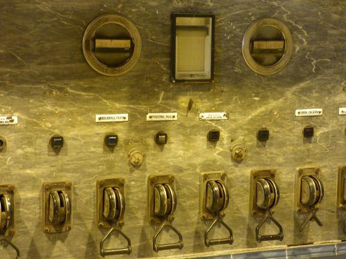 machine the device pilothouse