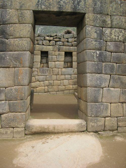machu picchu doorway ruin