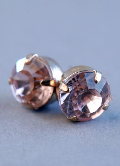 macro photo earrings
