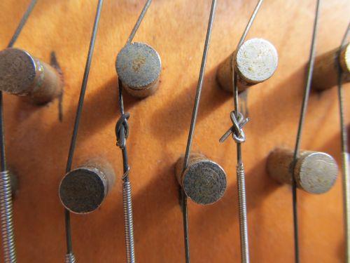 macro strings knots